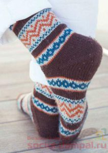 жаккардовые носки спицами