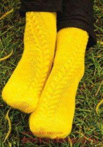 вязаные носки спицами с узором