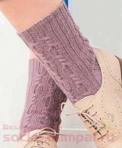 вязаные носки с косами