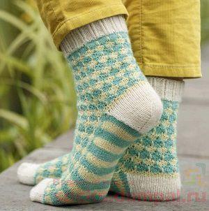 вязаные носочки спицами
