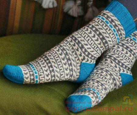 вязаные носки с рисунком
