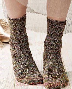 вязаные носки спицами